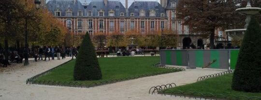 Place des Vosges is one of Most beautiful squares in Paris.