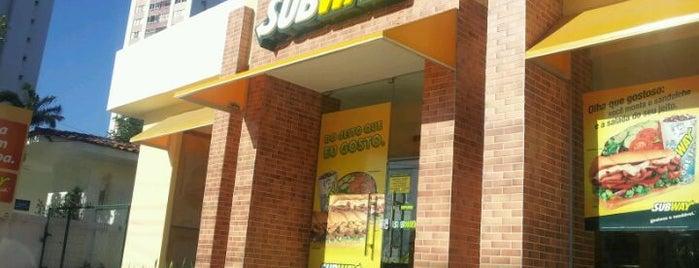 Subway is one of Locais curtidos por Adriana Costa.