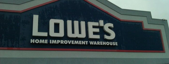 Lowe's is one of 🎄Bristol🎄さんのお気に入りスポット.