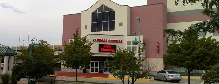 Regal Cinemas Fairfax Towne Center 10 is one of Lieux qui ont plu à Josh.