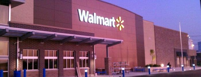 Walmart Supercenter is one of Gespeicherte Orte von Ricardo.
