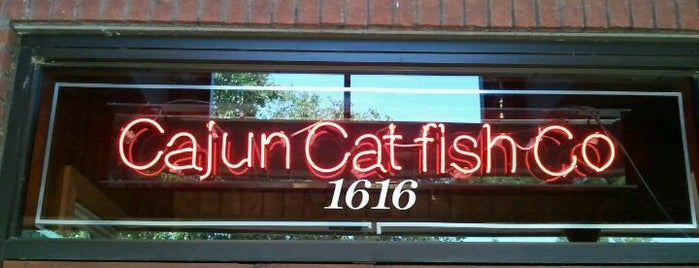 Cajun Catfish Company is one of Molly 님이 저장한 장소.