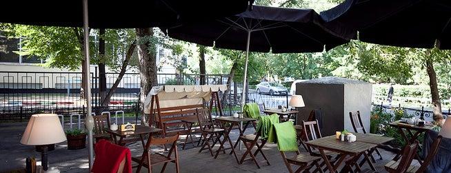 Лавка и кафе студии Артемия Лебедева is one of Moscow - Restaurants / Cafes.