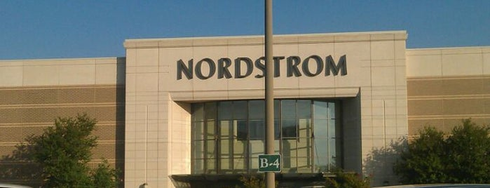 Nordstrom is one of Sam 님이 좋아한 장소.