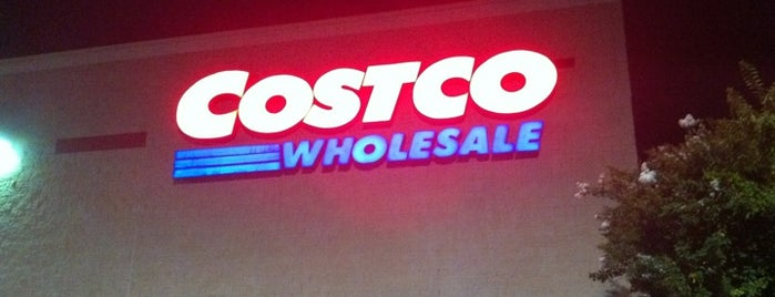 Costco is one of Locais curtidos por Sara Grace.