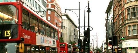Oxford Street is one of 1001 reasons to <3 London.
