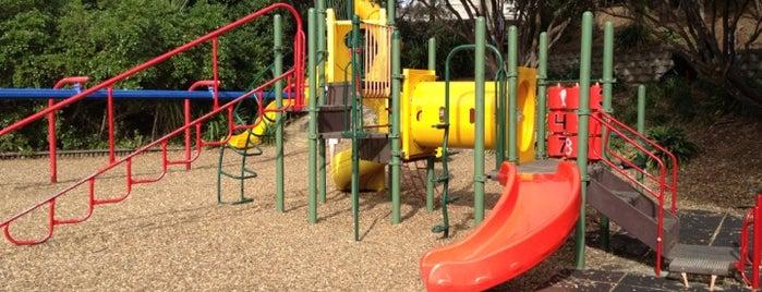 Gladstone Playground is one of Tempat yang Disukai Ben.
