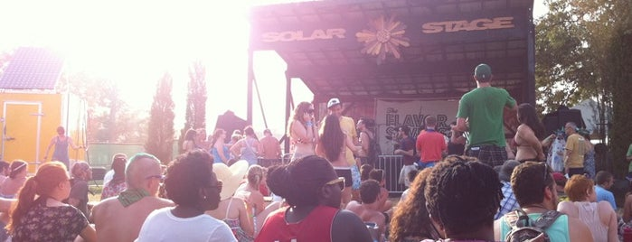 Solar Stage at Bonnaroo Music & Arts Festival is one of Lieux qui ont plu à Timothy.