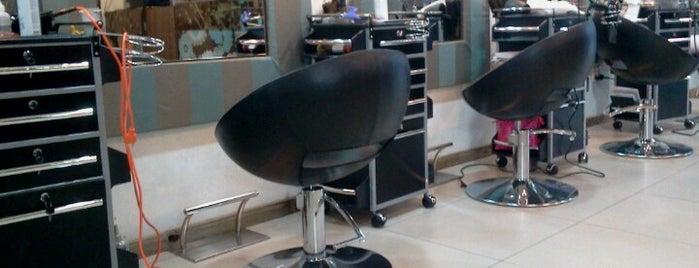 Joel Hair Design is one of Lieux qui ont plu à Manuela.