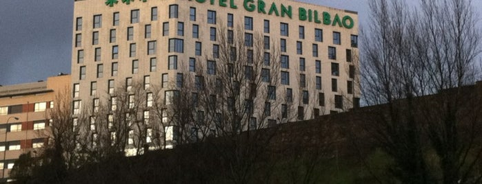 Hotel Gran Bilbao is one of Lieux qui ont plu à María.