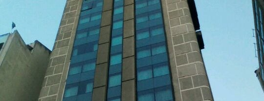 Hotel Panamericano is one of Miradores de Buenos Aires.