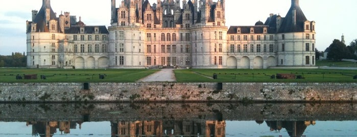 Château de Chambord is one of Sightseeing spots and historic sites.