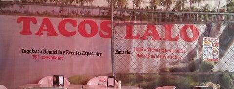 Tacos Lalo is one of สถานที่ที่ Perla ถูกใจ.