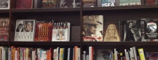 Barnes & Noble is one of Posti che sono piaciuti a Mike.