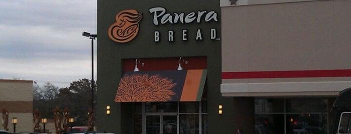 Panera Bread is one of สถานที่ที่ Sean ถูกใจ.
