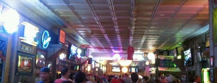Rookies Rockin' Sports Bar is one of Orte, die Dan gefallen.