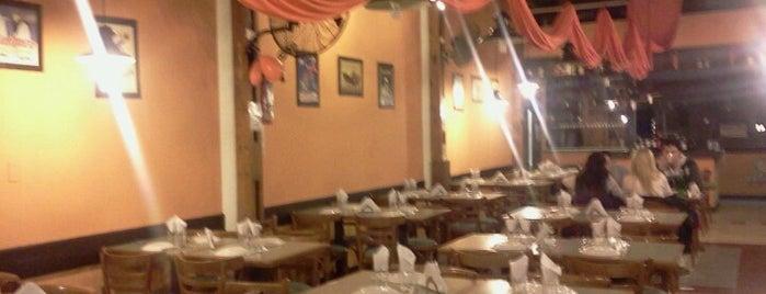 La Jirafa is one of Resto Y Pizzerias San Bernardo.