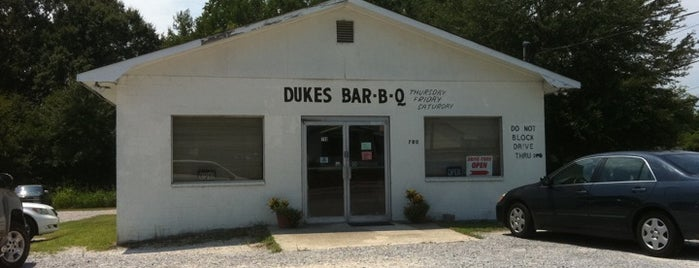 Duke's BBQ is one of Posti salvati di Christopher.
