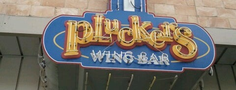 Pluckers Wing Bar is one of Locais curtidos por Ruby.