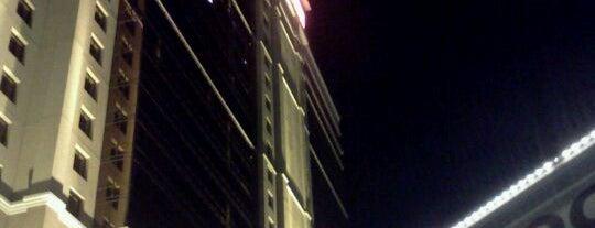 Hilton is one of Lugares favoritos de Kyle.