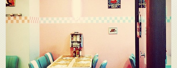 Peggy Sue's is one of Barcelona's Burgers.