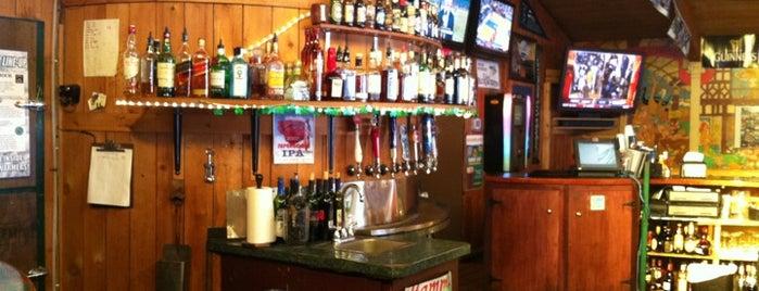 Cloverleaf Sports Bar & Grill is one of Scott : понравившиеся места.