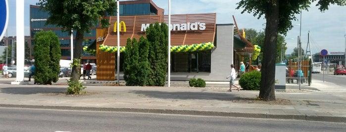 McDonald's is one of Locais curtidos por Marcello.