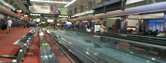 Flughafen Denver International (DEN) is one of สนามบินนานาชาติ (1).