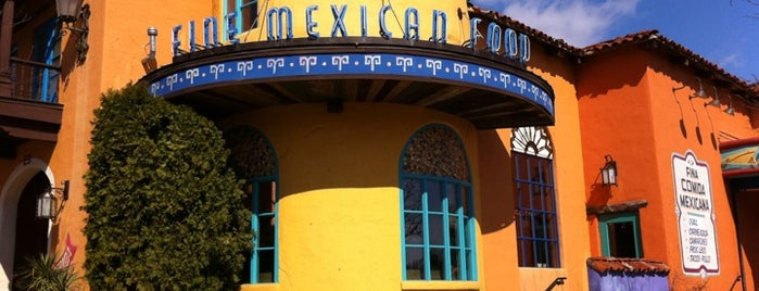 Uncle Julio's Rio Grande Cafe is one of Lugares favoritos de Christina.