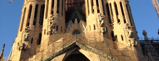 Templo Expiatorio de la Sagrada Familia is one of Barcelona bucket list.