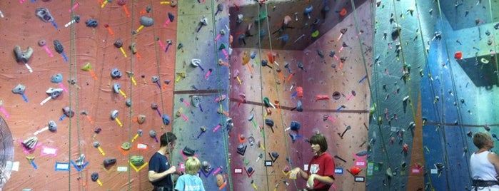 Vertical World Everett is one of Lugares favoritos de DenMom & MoMo.