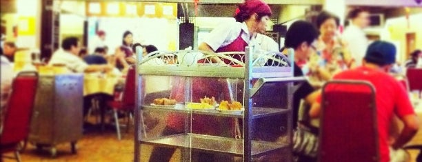 Red Star Restaurant 红星酒家 is one of Singapore Casual Eating.