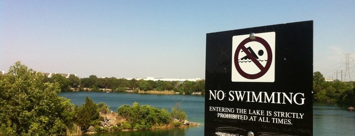 Quarry Lake is one of Keep Austin Weird.
