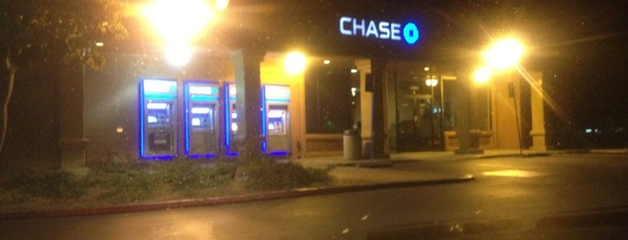Chase Bank is one of Lugares favoritos de Alicia.