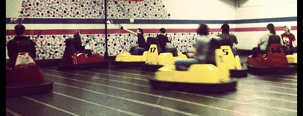 Whirlyball is one of Orte, die John gefallen.