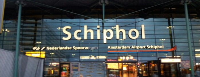 Aéroport d'Amsterdam-Schiphol (AMS) is one of gezmeler.