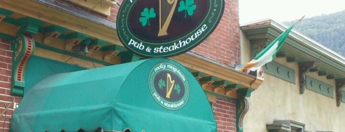 Molly Maguires Pub & Steakhouse is one of Gさんの保存済みスポット.
