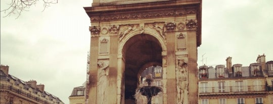 Fontaine des Innocents is one of Kevinさんのお気に入りスポット.