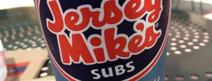 Jersey Mike's Subs is one of Mo'nun Beğendiği Mekanlar.