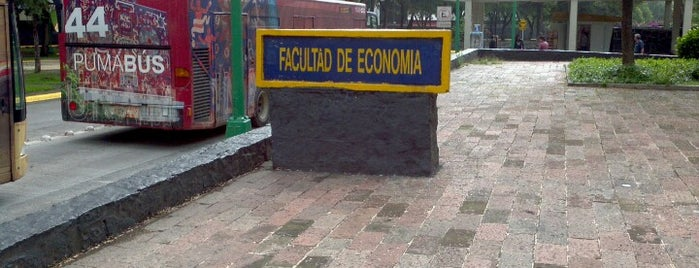 Facultad de Economía is one of Yolis 님이 좋아한 장소.