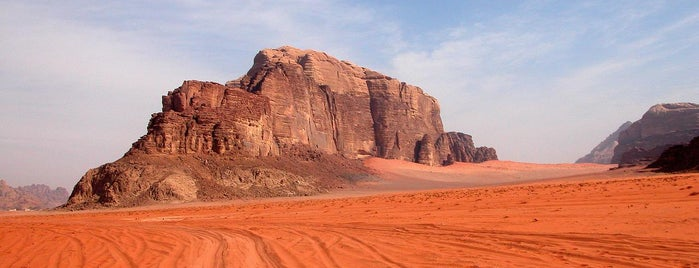 Valley Of The Moon / وادي القمر is one of L.