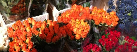 Columbia Road Flower Market is one of London must eat and drink.