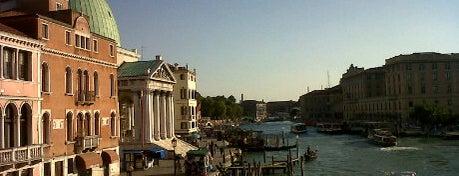 Ponte degli Scalzi is one of Venezia Essentials.