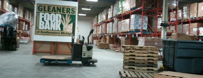 Gleaners Community Food Bank is one of Lugares favoritos de Robbie.