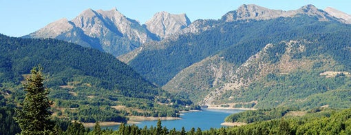 Plastiras-Stausee is one of Spring destinations in Greece.