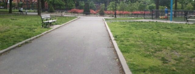 Mullaly Park is one of Orte, die Jason gefallen.