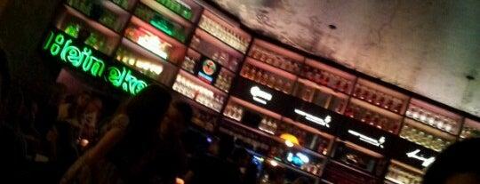 Bar Aurora is one of Barzinhos e Pubs.