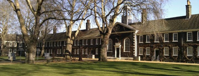 Geffrye Museum is one of London's best parks and gardens.