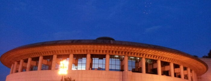 Seoul Arts Center is one of Guide to 서울특별시's best spots.