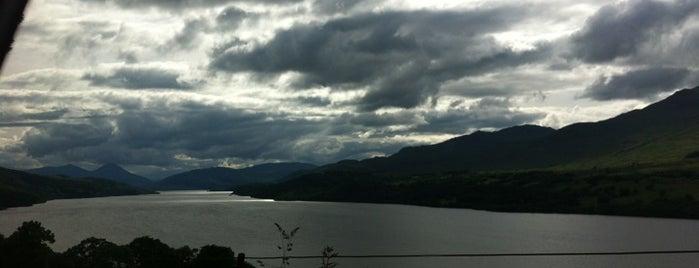 Loch Tay is one of Po stopách Karla Čapka v Anglii.